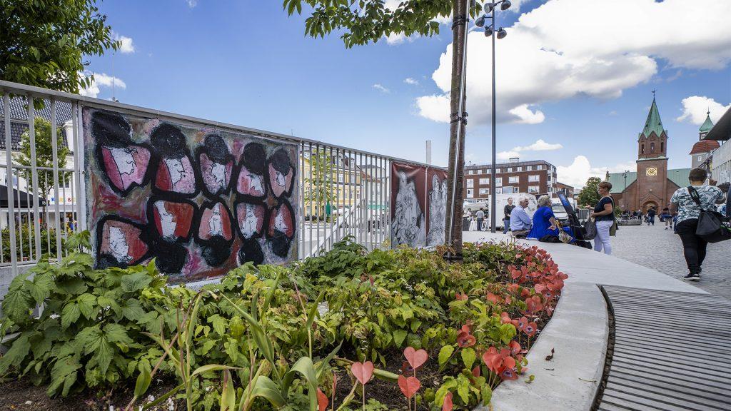 Gadekunst på torvet i Silkeborg